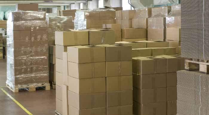 cajas en almacen